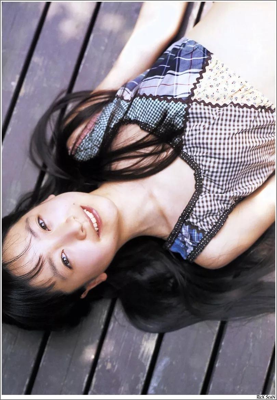 形象纯过蒸馏水的黑川智花《少女觉醒》的写真作品 (4)