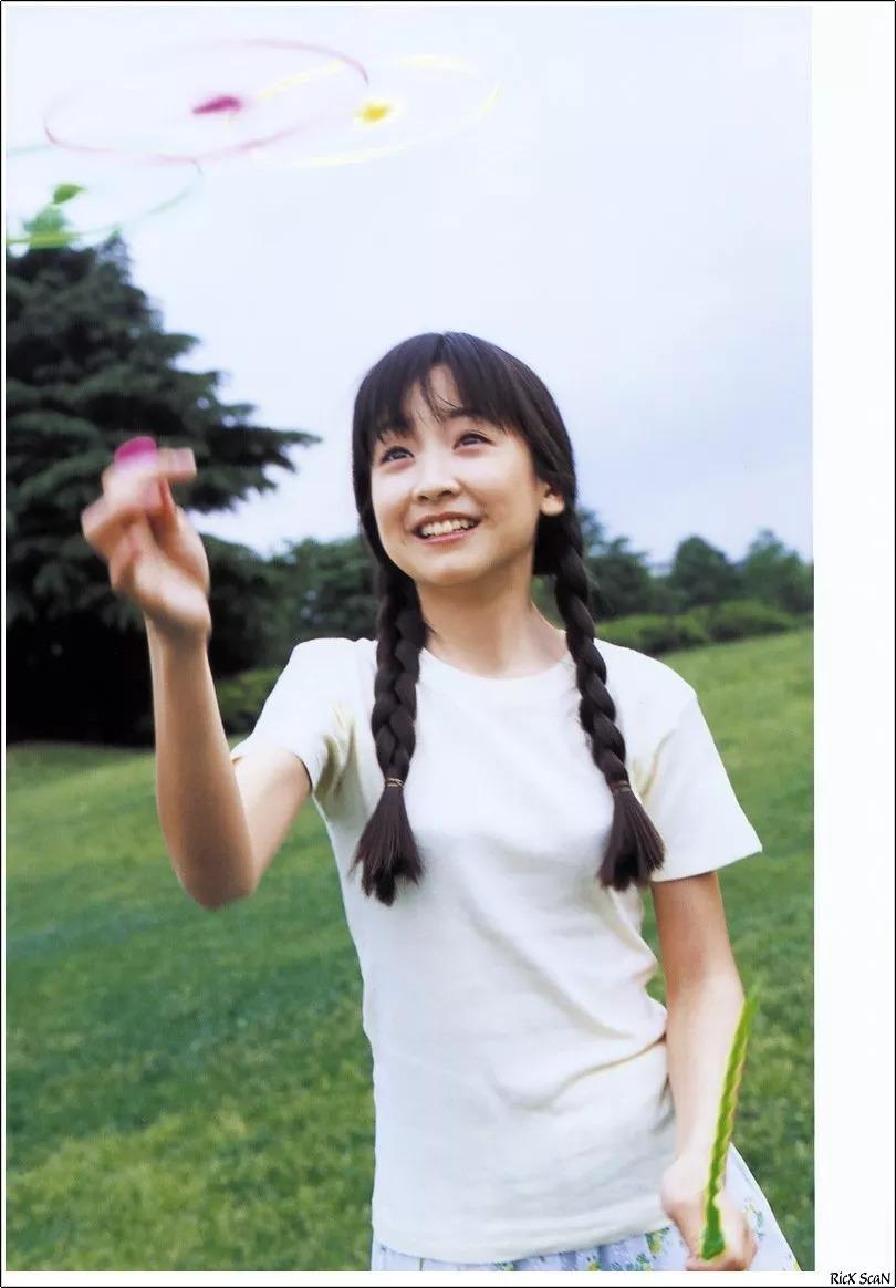 形象纯过蒸馏水的黑川智花《少女觉醒》的写真作品 (11)