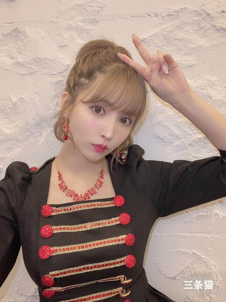 三上悠亜(鬼头桃菜,Mikami-Yua)女仆装展实力 养眼图片 第4张