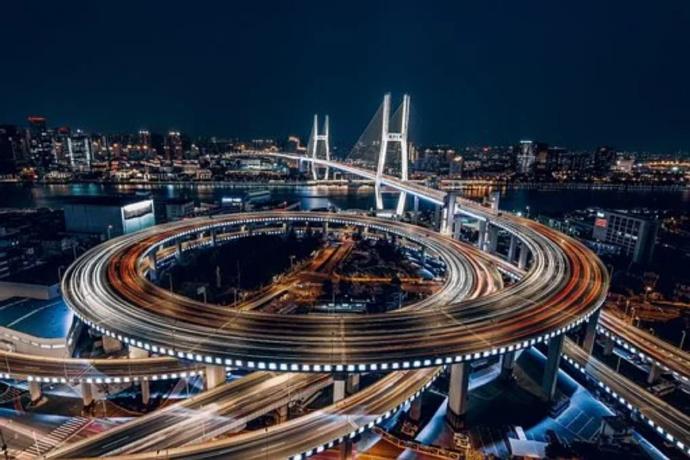 上海人为啥不把房卖了去其他城市生活,可以舒服过一辈子了-前方高能