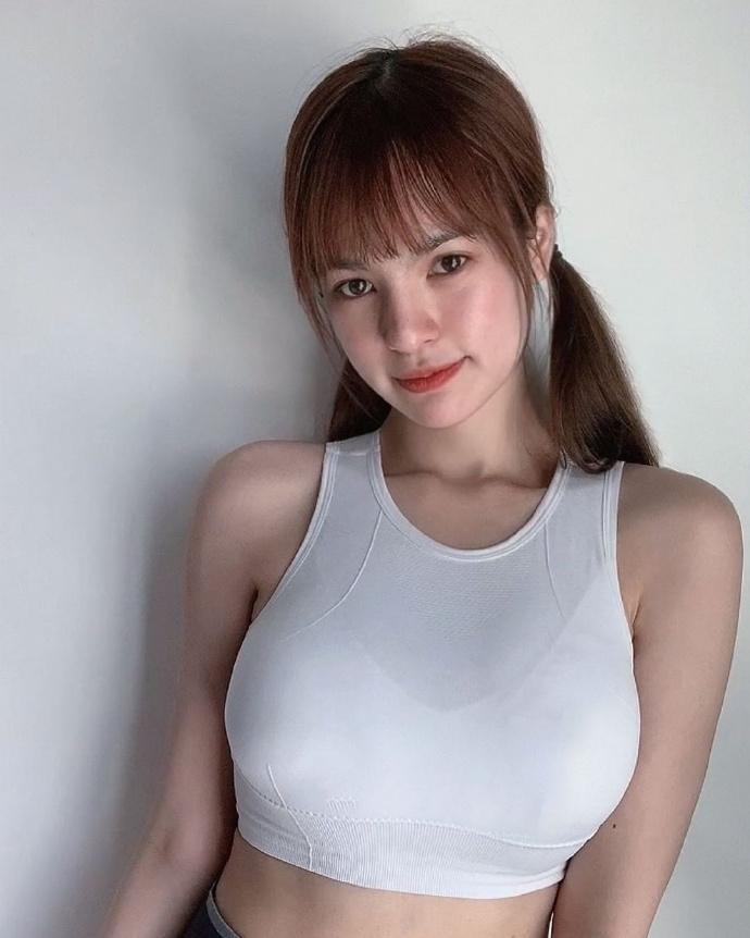大马篮球甜心理想女友「Cheri Lowitz」,浑身散发清新的呆萌魅力-新图包