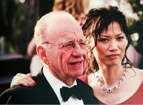 在娶年轻妻子这件事上,中国的资本家都应该跟他学学