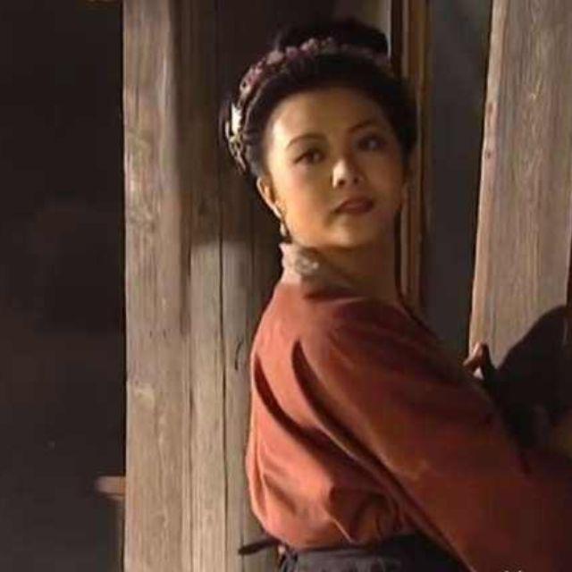 为什么影视剧中每个村都有一个俏寡妇?