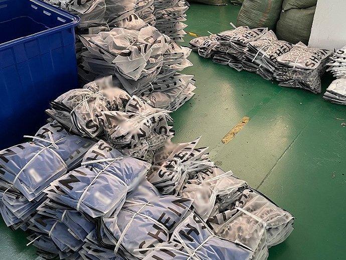 SHEIN在全球每天卖数千万美元的秘密,藏在广州300多家工厂里